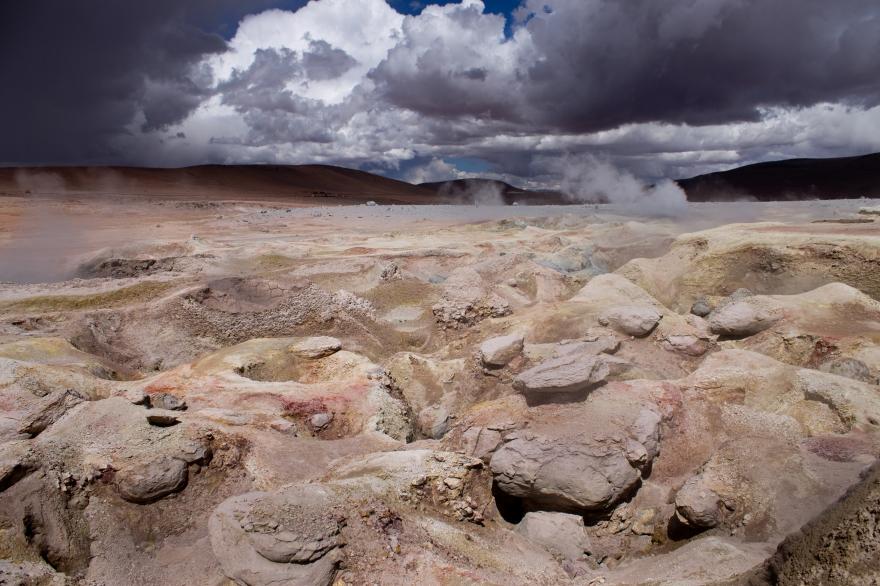 Sol de Mañana, SW Bolivia