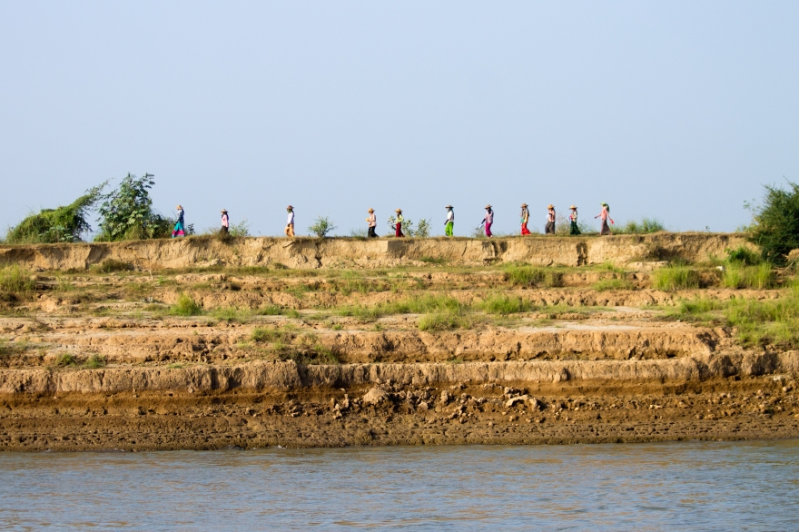 Walking the Ayeyarwady Banks