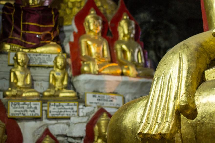 Hand and Buddhas, Pindaya Cave